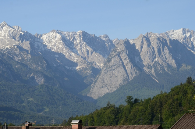 "The highest mountain of Germany die ""Zugspitze"" over 10.000 feet, a miraculous mountain"