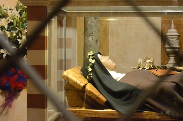 the holy sister's Saint Clare's sarcophag