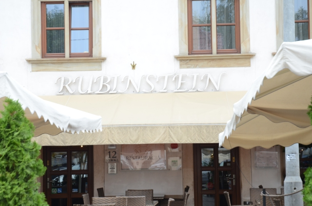 famous beauty Helena Rubinstein turned into an authentic Restaurant